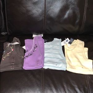 Gap set of four tank tops Sz S and M! NWT